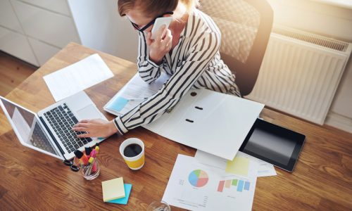 successful-businesswoman-with-an-e-business-P2KWWNR.jpg